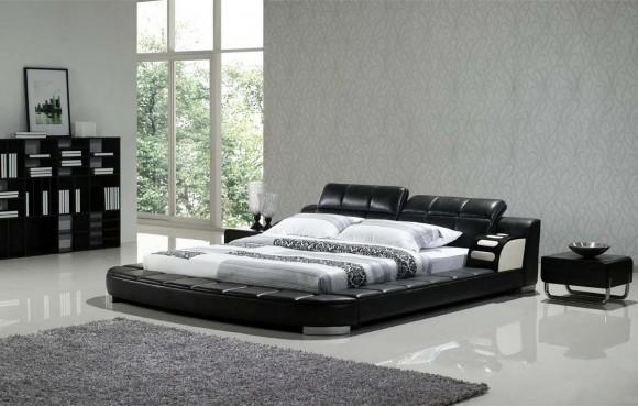 Кожаная кровать с белой постелью