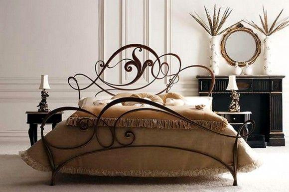 Железная кровать с металлическим изголовьем