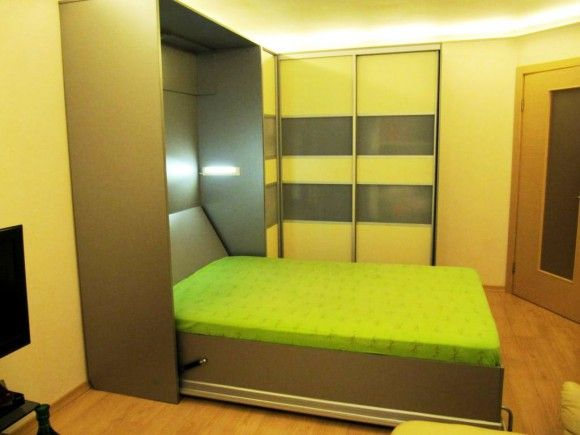 светлая шкаф-кровать