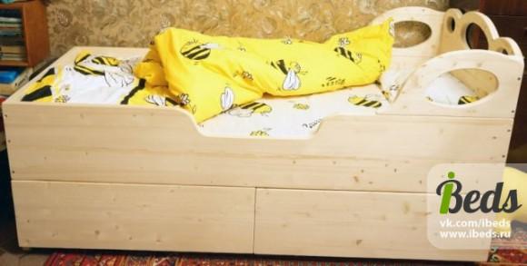 Детская кроватка для малыша сделанная лично