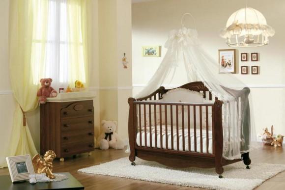 Кровать для малыша с балдахином