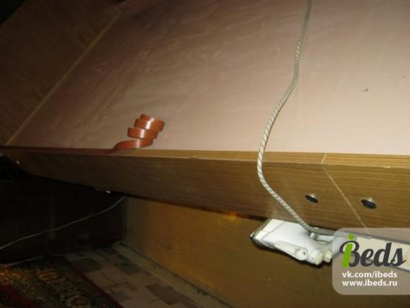 Заделываем стыки в кровати