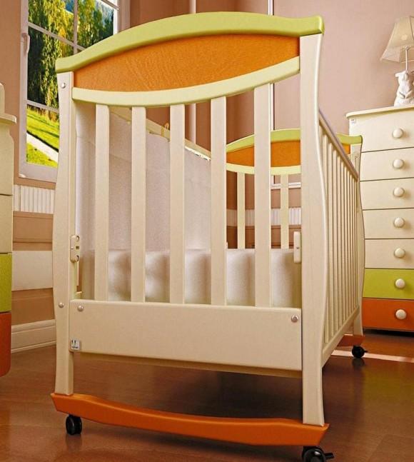 Кровать для детей с решетками