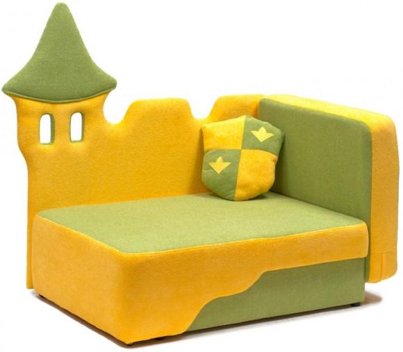 Яркий диван для малыша