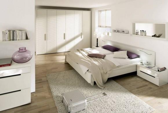 Светлый интерьер спальной комнаты