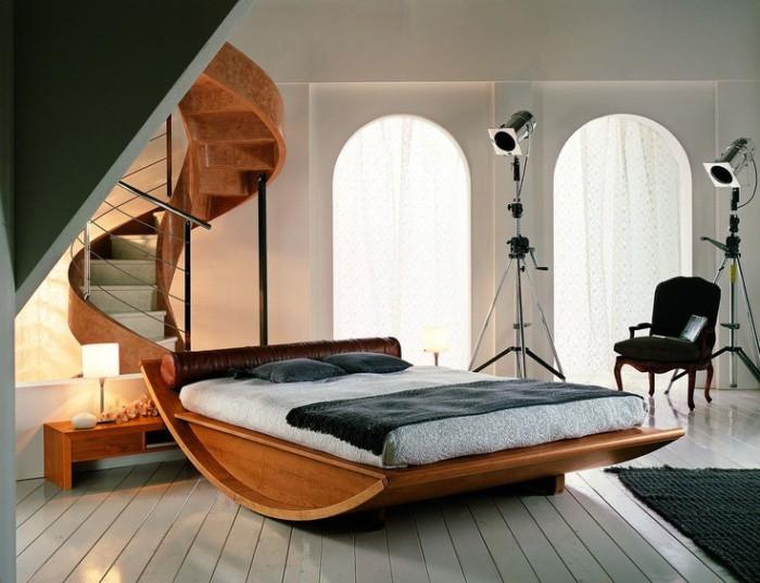 кровать на изогнутом основании
