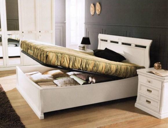 Удобная двуспальная кровать