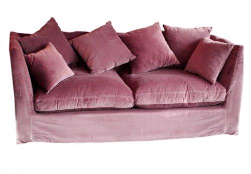 С декоративными подушками