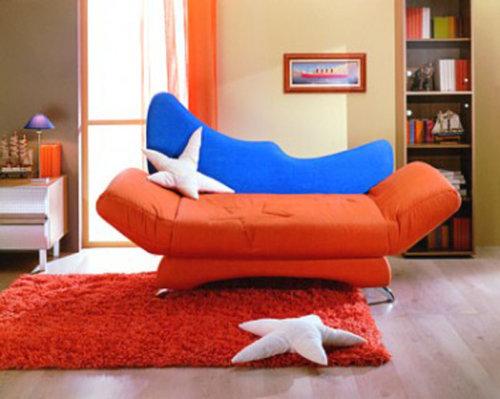 Яркая мягкая мебель